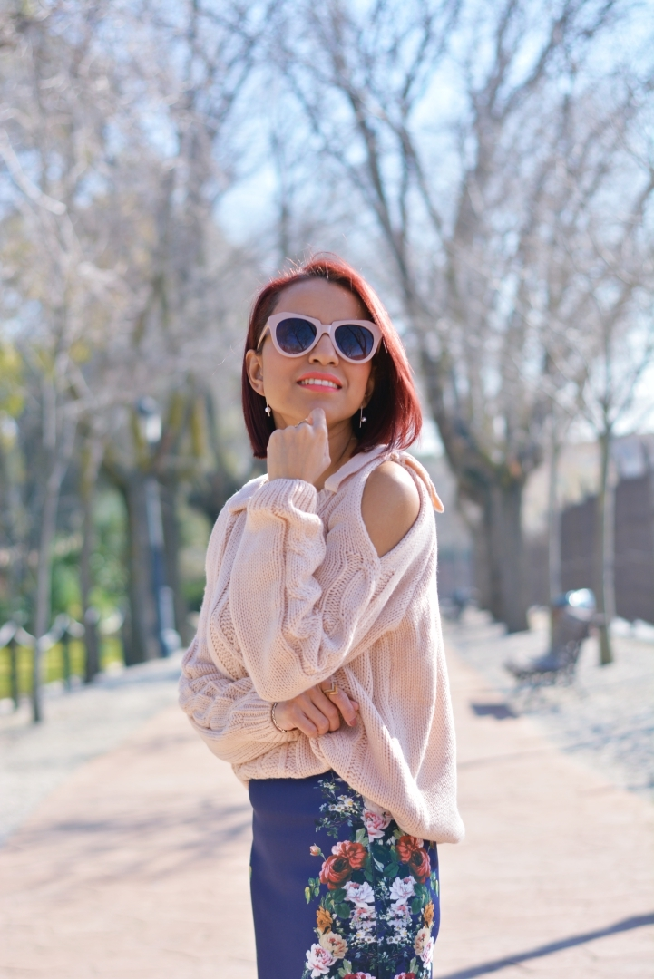 Cómo combinar un jersey off shoulder