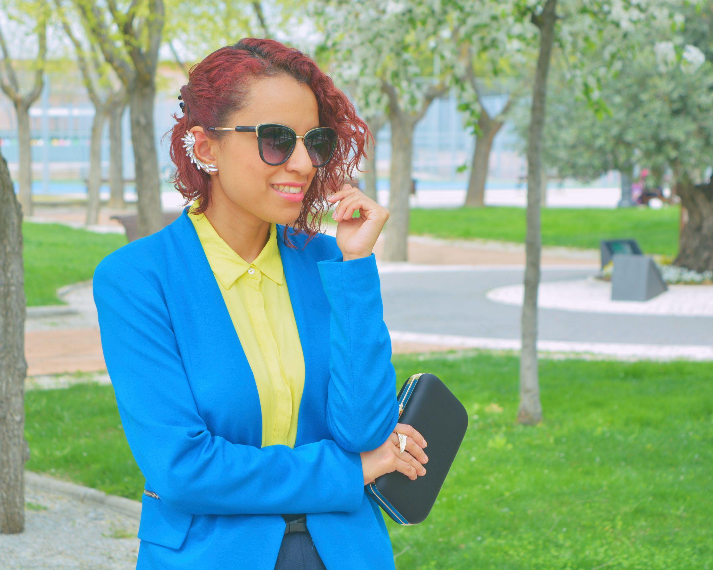 Cómo combinar colores alegres en un look formal