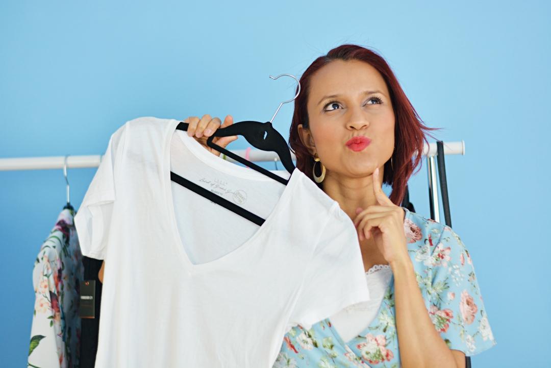 Cómo combinar una camiseta blanca, Vídeo